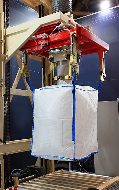 Equipment for the packing of bulk goods in big bags